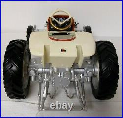 1/16 SpecCast 2003 International Harvester Turbine HT-341 Tractor with Box RESIN