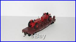 Athearn ATSF 40' Flat Car with 2 Case International Harvester TractorsNEWHO