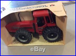 Ertl Collectible Case International Harvester 7488 Toy Tractor 1/16 Scale