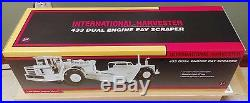 First Gear 433 Dual Engine Pay Scraper Tractor International Harvester 1/25