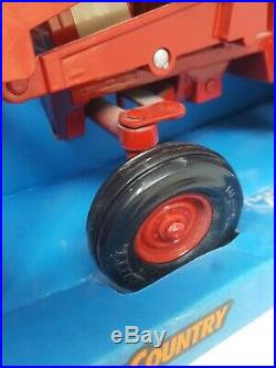 International 1586 Tractor with Loader ERTL Diecast Farm Country 1991 Made in USA