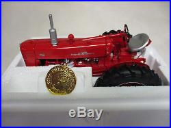 International Harvester 400 Toy Tractor Precision Series #13 1/16 Scale, NIB