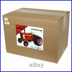International Harvester IH 1566 1/8 Sscale Wide Front with Duals ZSM 1603