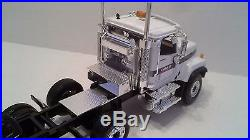 International Harvester Paystar 4Axle Tractor / 3Axle Lowboy by First Gear 134
