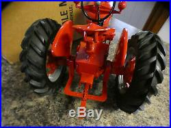 International M Tractor-1/8 scale Scale Models