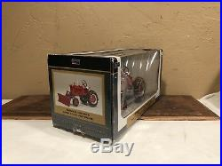 SpecCast 1/16 International Harvester Farmall Cub Tractor Withsnow Blade & Chains