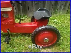 Vintage Metal Pedal Toy International Farmall 560 Tractor Scale Models USA L18
