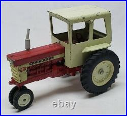 Vintage Original International Farmall 560 Tractor With Cab By Ertl 1/16 Scale